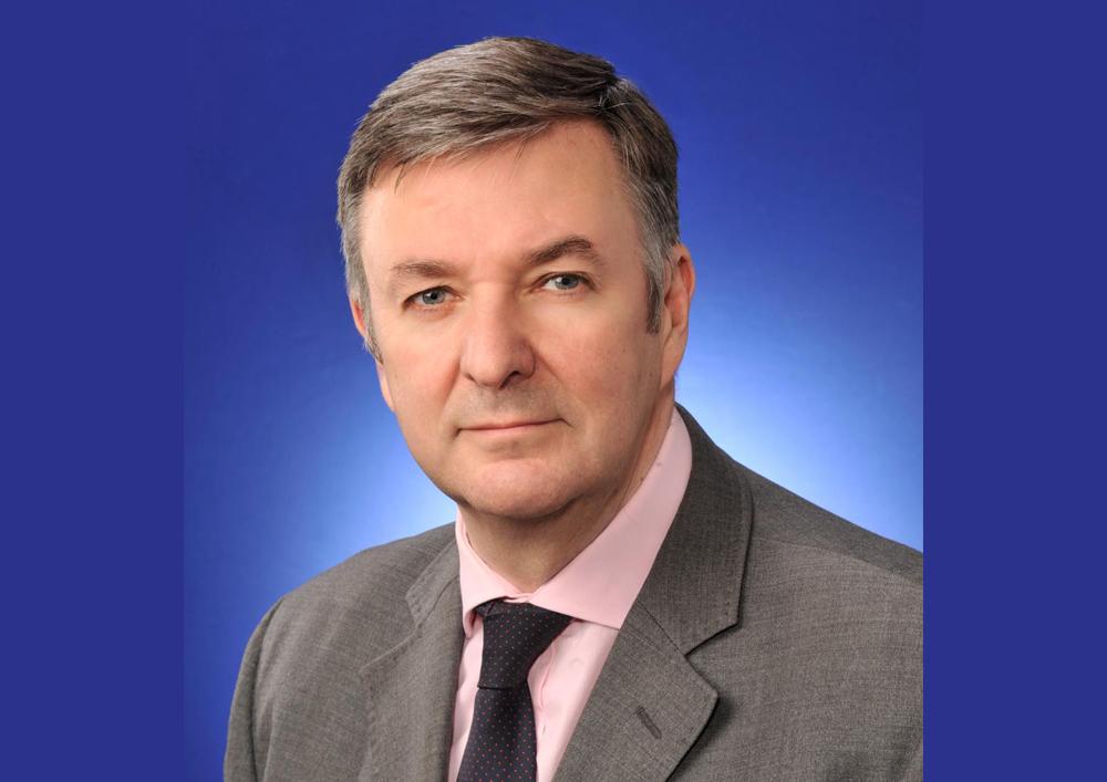 Dr Alan Lamont
